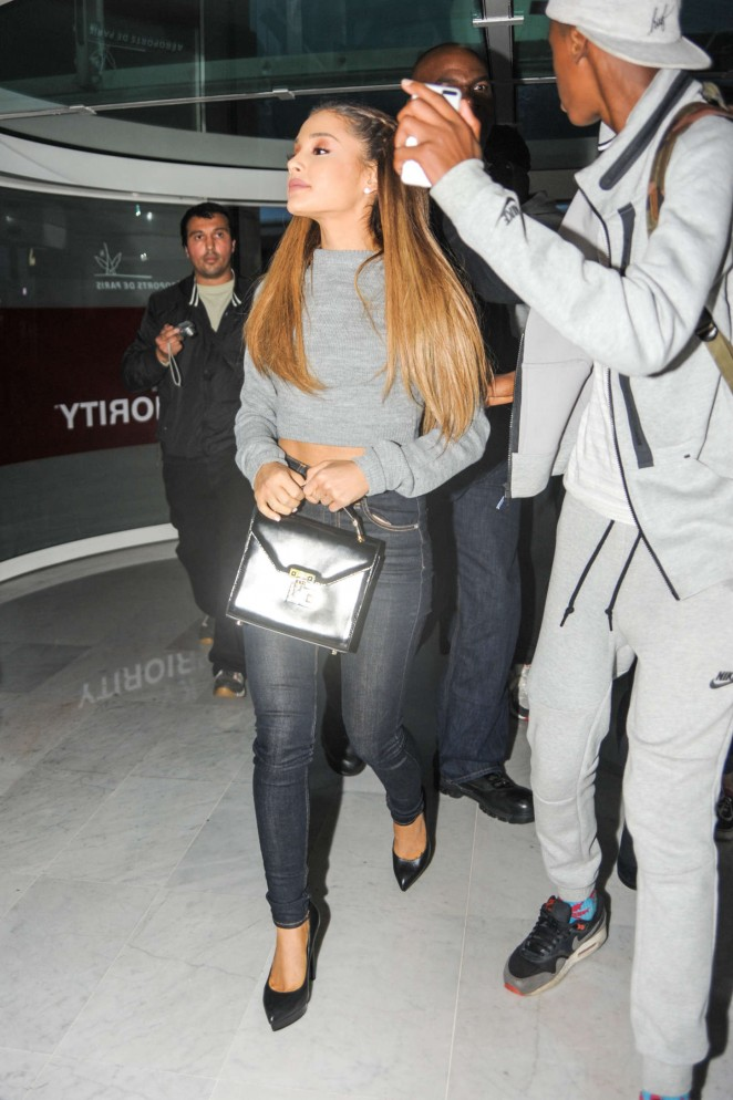 Ariana Grande in Tight Jeans at Paris Airport -02