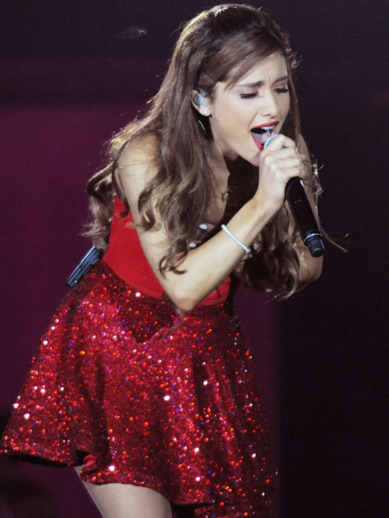Ariana Grande – Concert with Justin Bieber in Atlanta-02