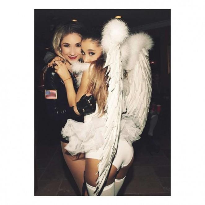 Ariana Grande – Instagram Pics