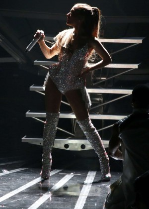 Ariana Grande: Performs at 2014 MTV Video Music Awards -02