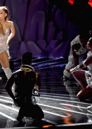 Ariana Grande: Performs at 2014 MTV Video Music Awards -03