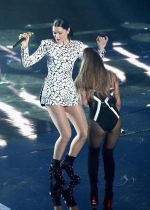 Ariana Grande: Performs at 2014 MTV Video Music Awards -06