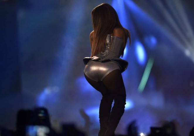 Ariana Grande in Silver Bodysuit at MTV EMA 2014 -08