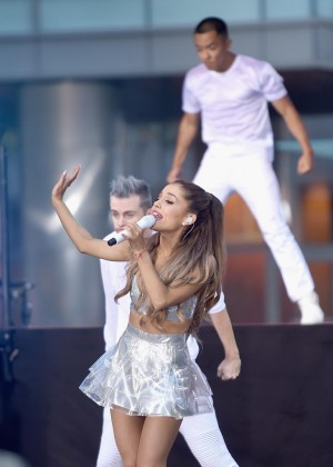 Ariana Grande: performs on NBC Today -16