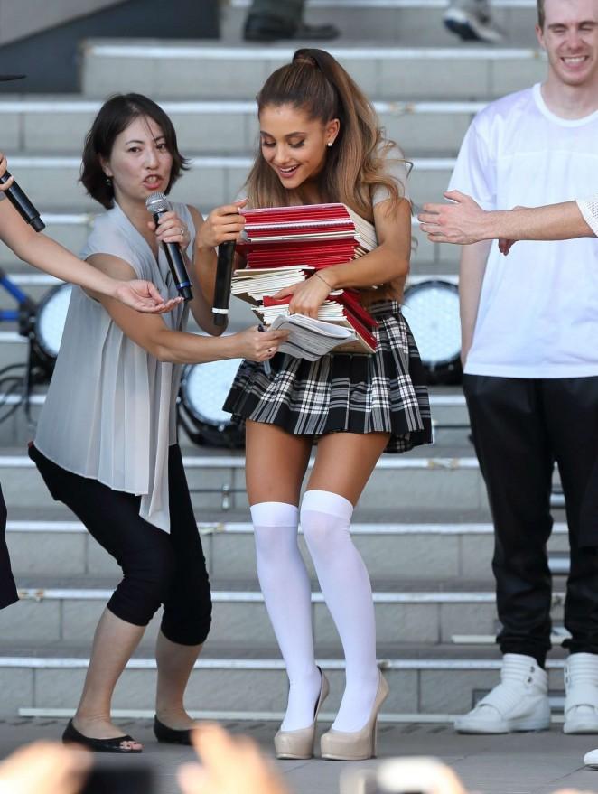 Upskirt falda escolar con mallas blancas - 3 5