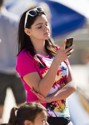 Ariel Winter and Sarah Hyland - at the Bondi Beach in Australia -14