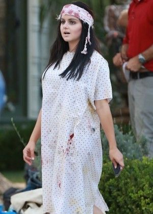 Ariel Winter - On Set of the Modern Family 'Halloween' Episode in Los Angeles