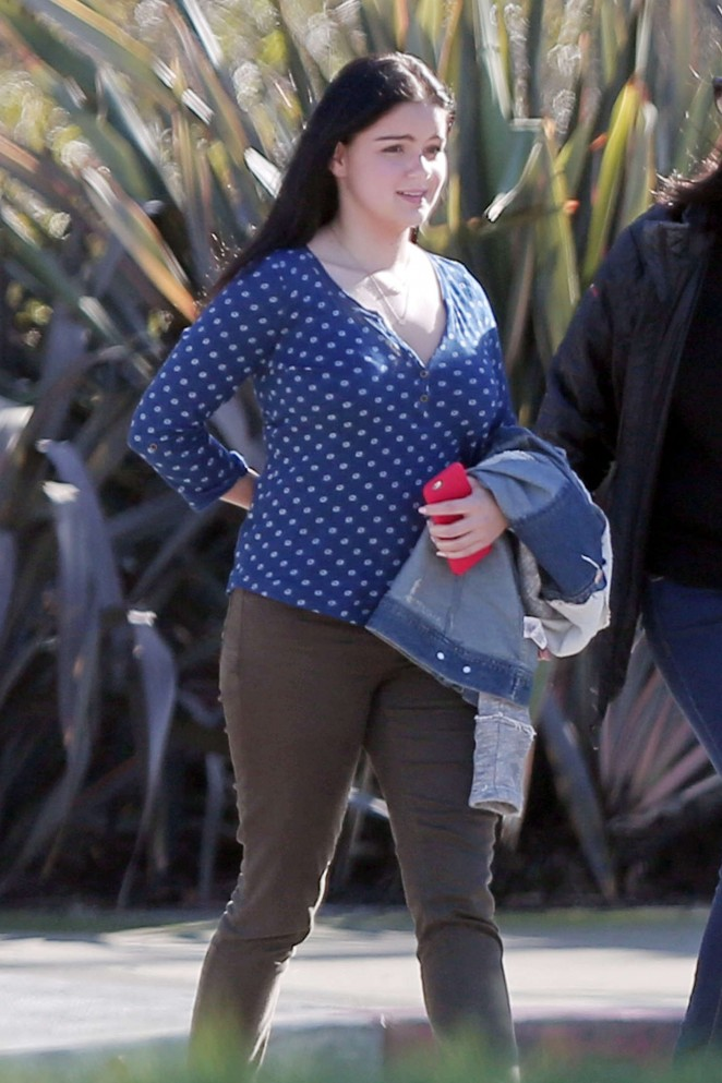 Ariel Winter - Filming 'Modern Family' in LA