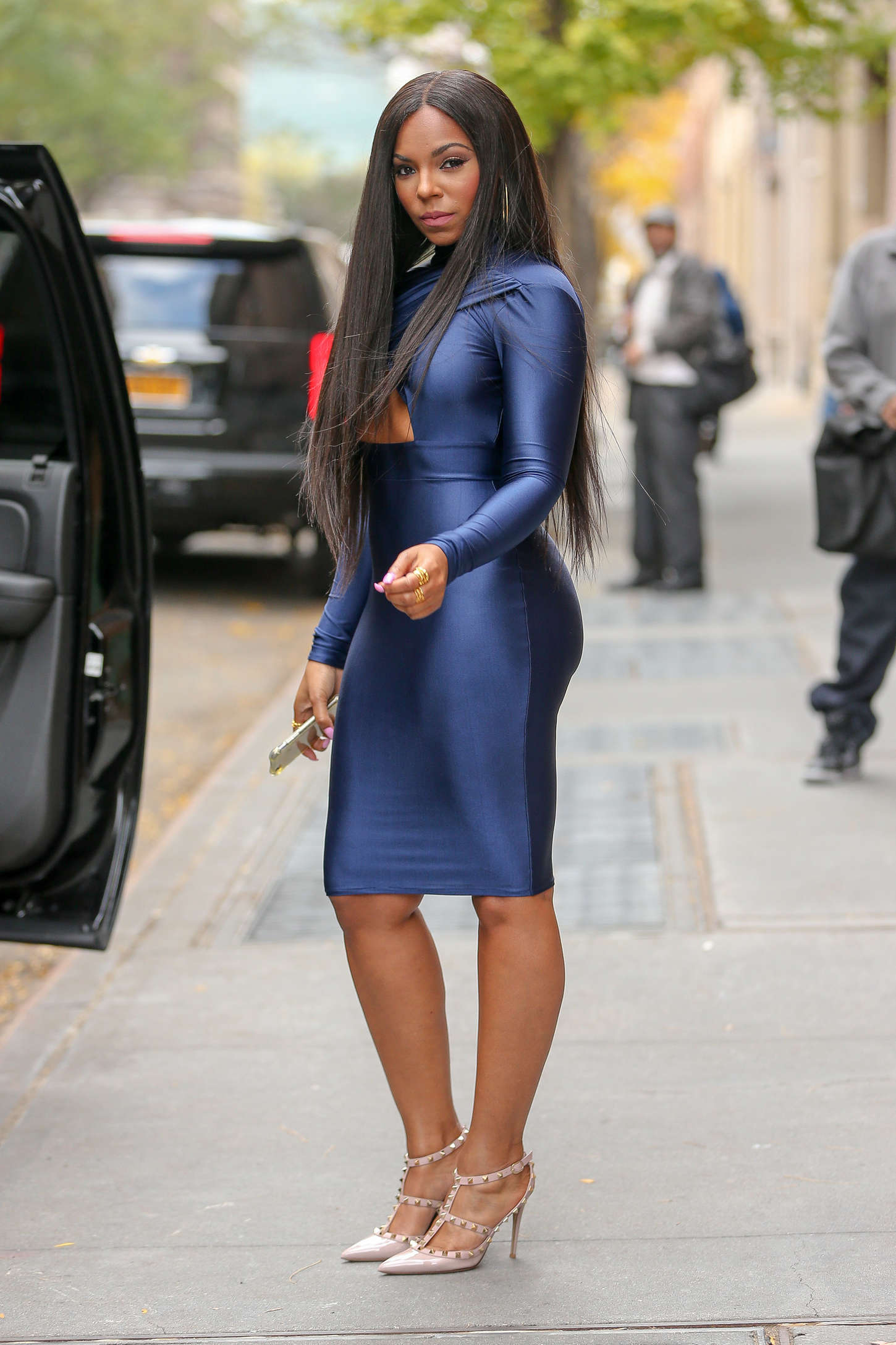 Ashanti In Tight Dress At The View 07 Gotceleb