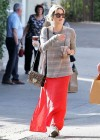Ashely Benson Out for Lunch With Family in Toluca Lake-02