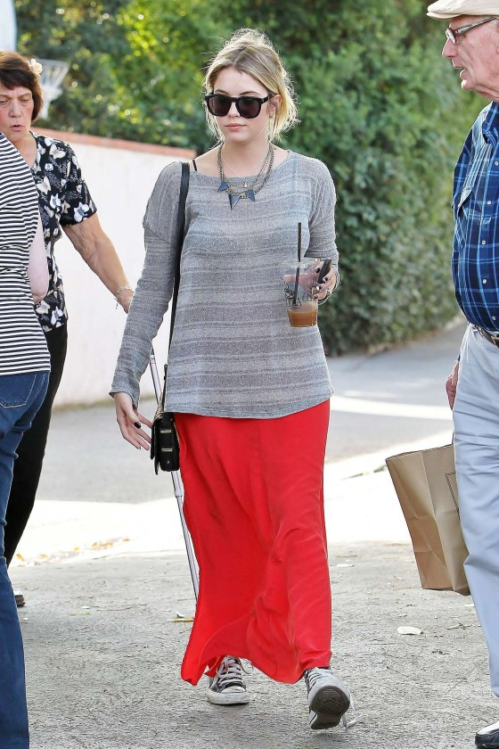 Ashley Benson 2013 : Ashely Benson Out for Lunch With Family in Toluca Lake-12