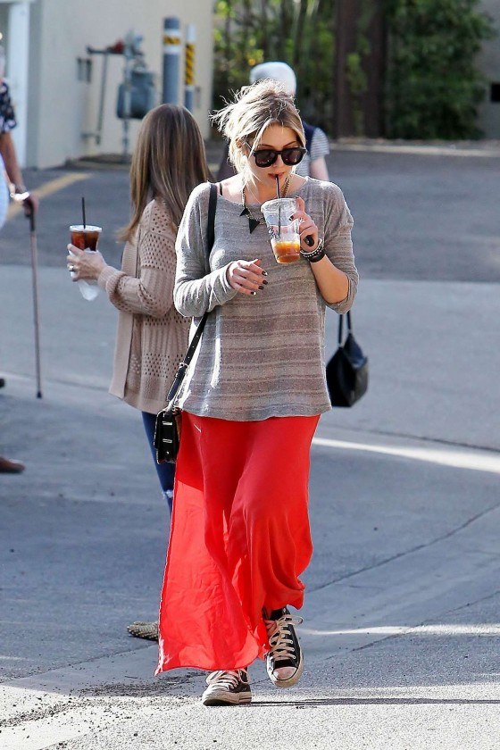 Ashley Benson 2013 : Ashely Benson Out for Lunch With Family in Toluca Lake-13