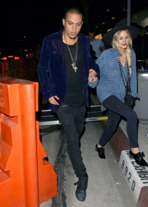 Ashlee Simpson in Tights at Gracias Madre Restaurant in West Hollywood