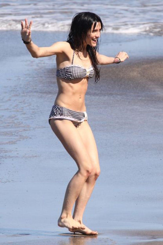 ashlee bikini simpson jpg 1200x900