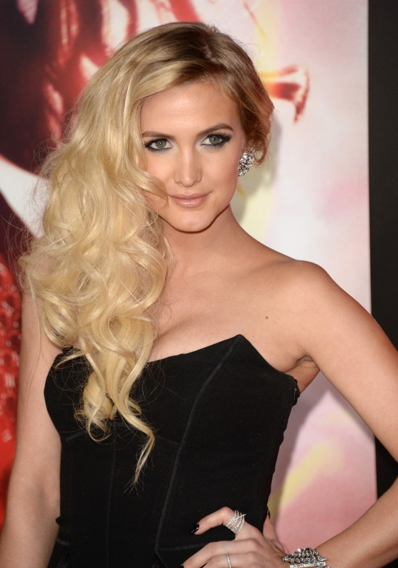 Ashlee Simpson - The Hunger Games: Catching Fire Hollywood Premiere -07