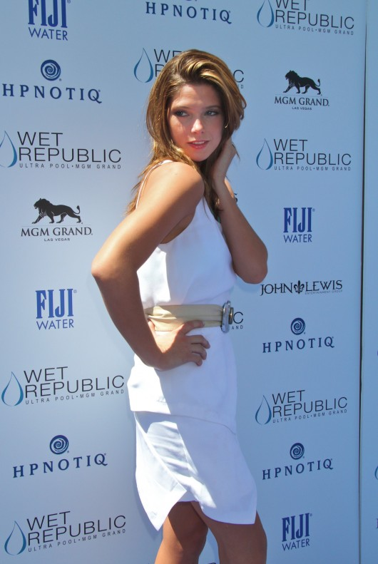 ashley-greene-bikini-candids-at-the-west-republic-pool-in-las-vegas-11