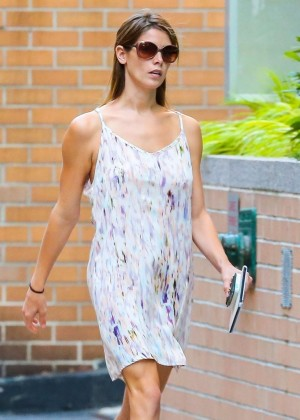 Ashley Greene - Out For A Stroll In NYC