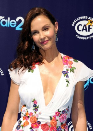 """Ashley Judd - Los Angeles Premiere of """"Dolphin Tale 2"""""""