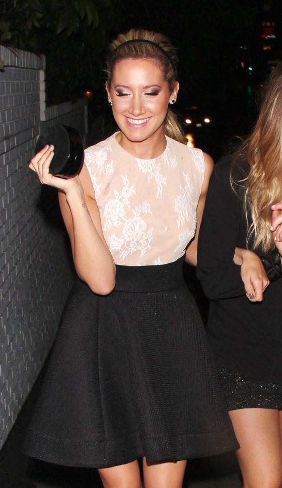 Ashley Tisdale Show legs in skirt