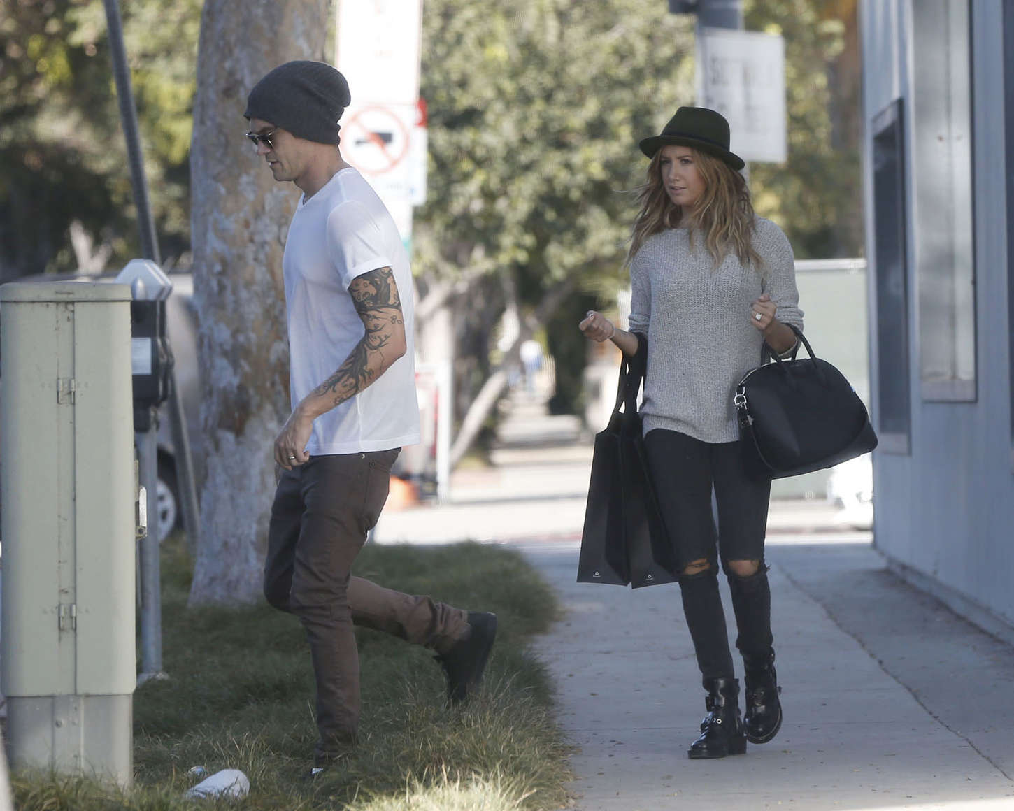 Ashley Tisdale 2014 : Ashley Tisdale in Ripped Jeans -05
