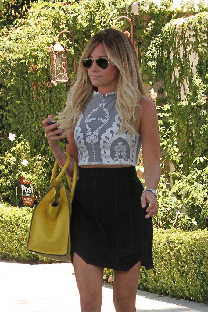 Think, that Ashley tisdale sexy skirt