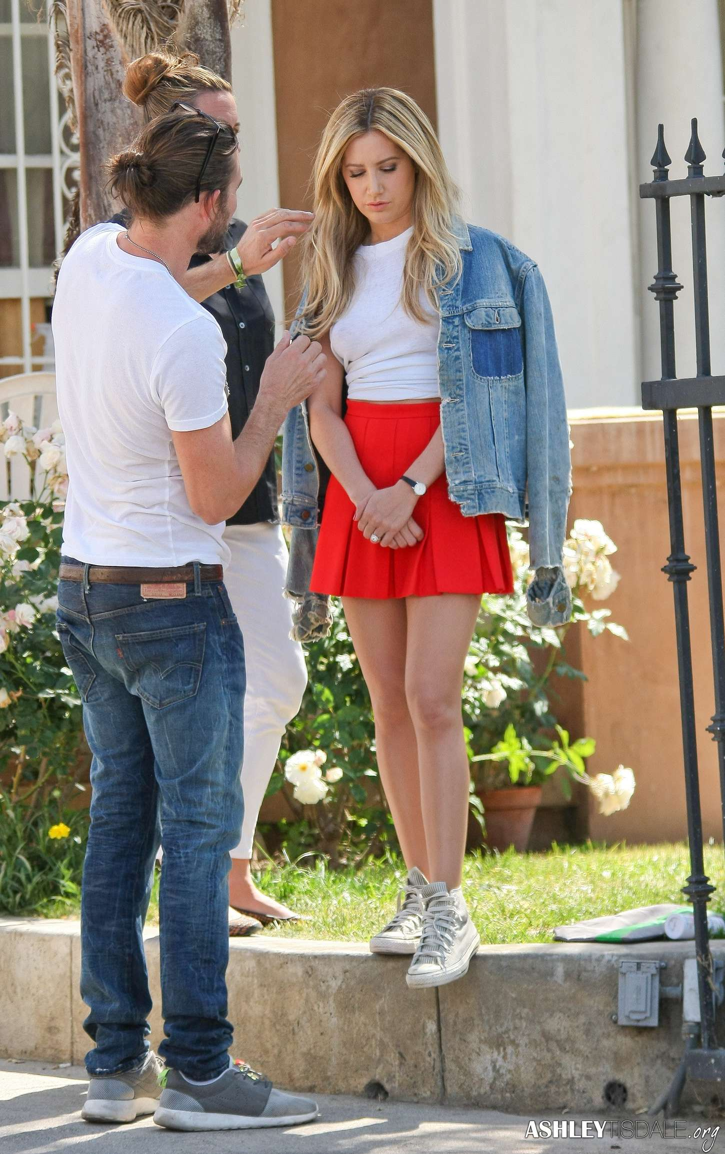 Ashley Tisdale legs in mini skirt-13 - GotCeleb