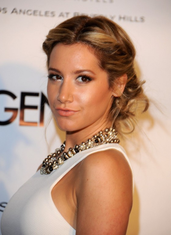 Ashley Tisdale – Riviera 31 opening -05