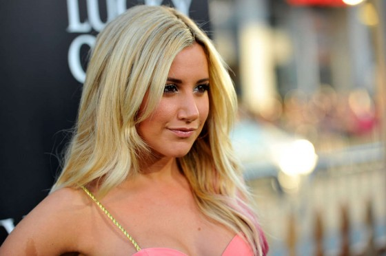 Ashley Tisdale � �The Lucky One� Premiere in LA