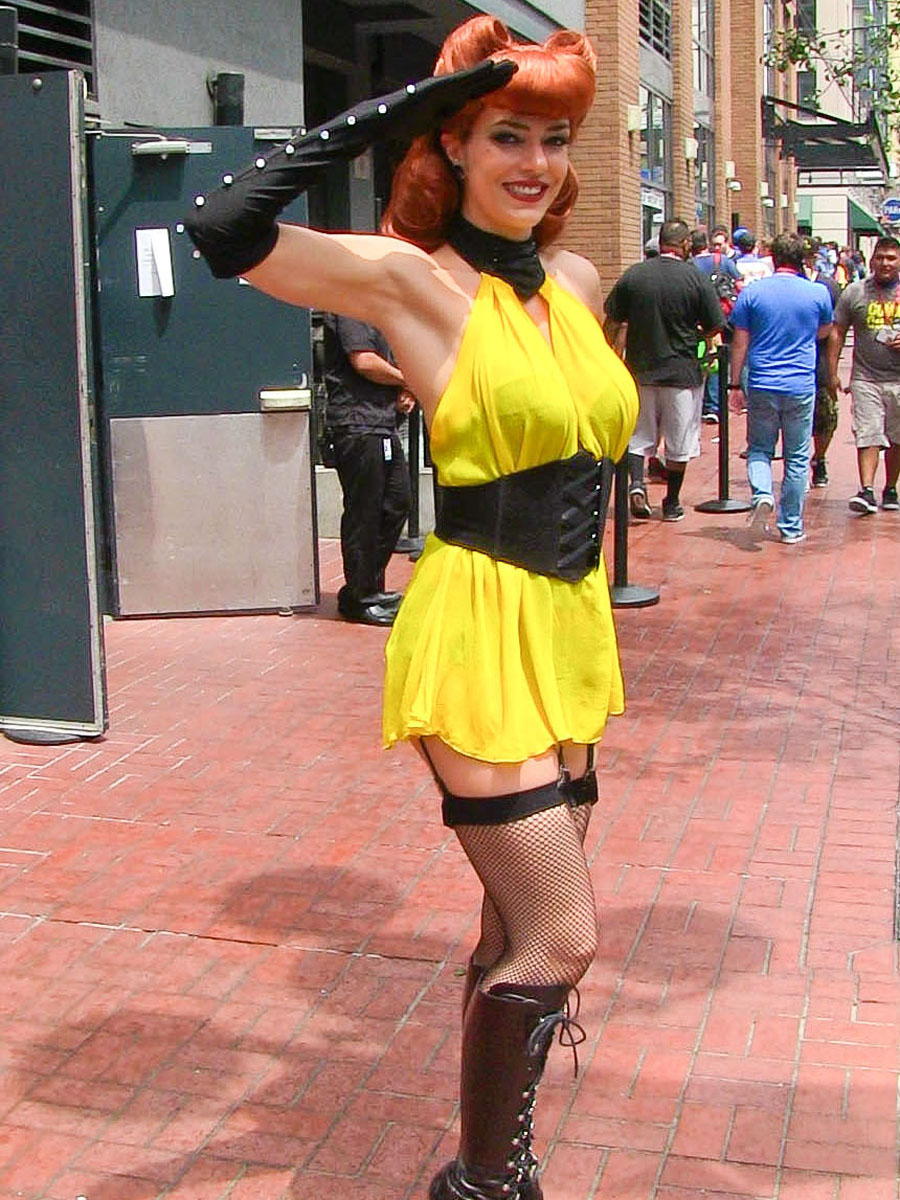 Audrina Patridge and Adrianne Curry - Cosplay Comic-Con ...