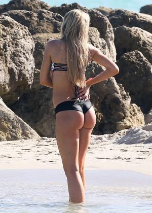 Autumn Brooke: Bikini Candids in Miami -02