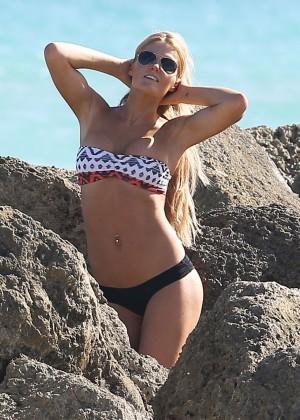 Autumn Brooke: Bikini Candids in Miami -04