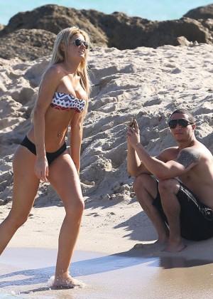 Autumn Brooke: Bikini Candids in Miami -10