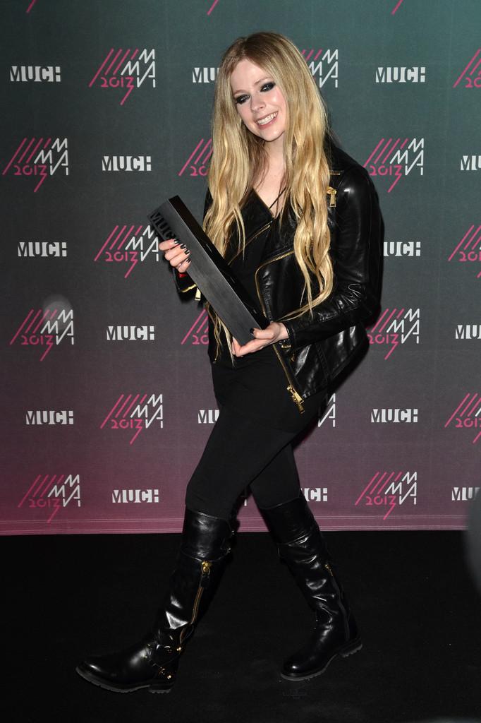 Avril Lavigne - 2013 MuchMusic Video Awards in Toronto -04 - GotCeleb