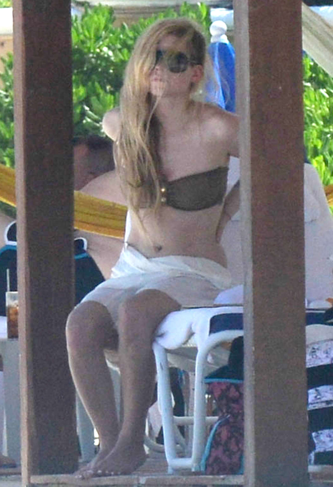 Avril Lavigne 2014 : Avril Lavigne bikini in Mexico -04