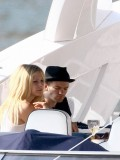 avril-lavigne-honeymoon-photos-in-portofino-03