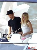 avril-lavigne-honeymoon-photos-in-portofino-06