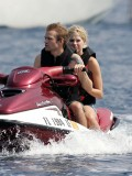 avril-lavigne-honeymoon-photos-in-portofino-08