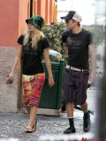 avril-lavigne-honeymoon-photos-in-portofino-09