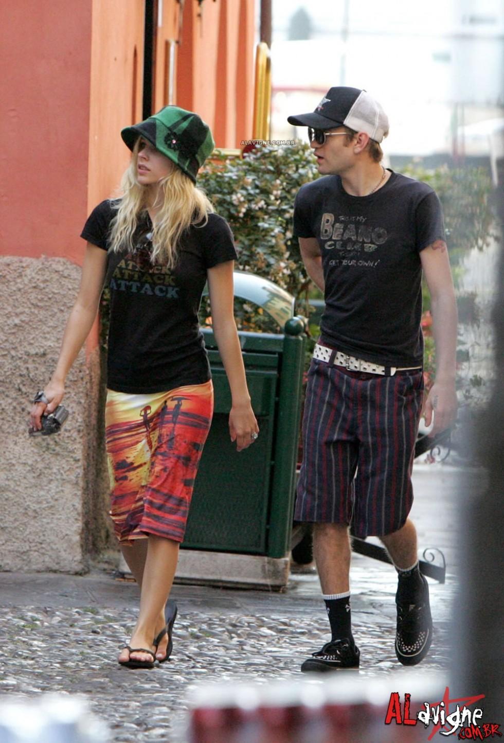 Avril Lavigne 2010 : avril-lavigne-honeymoon-photos-in-portofino-09