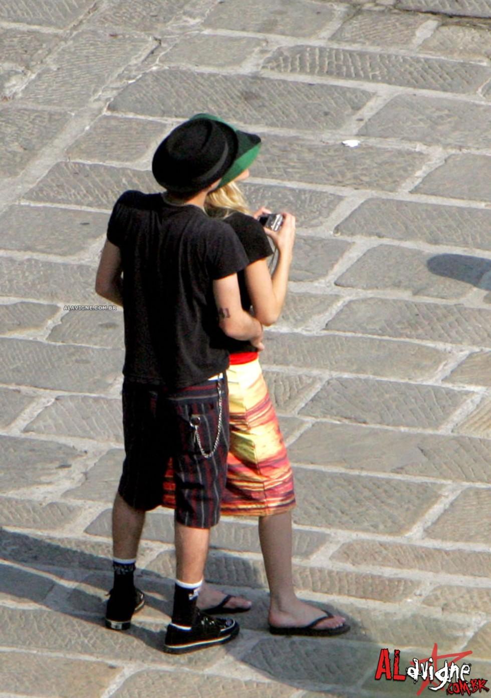 Avril Lavigne 2010 : avril-lavigne-honeymoon-photos-in-portofino-13