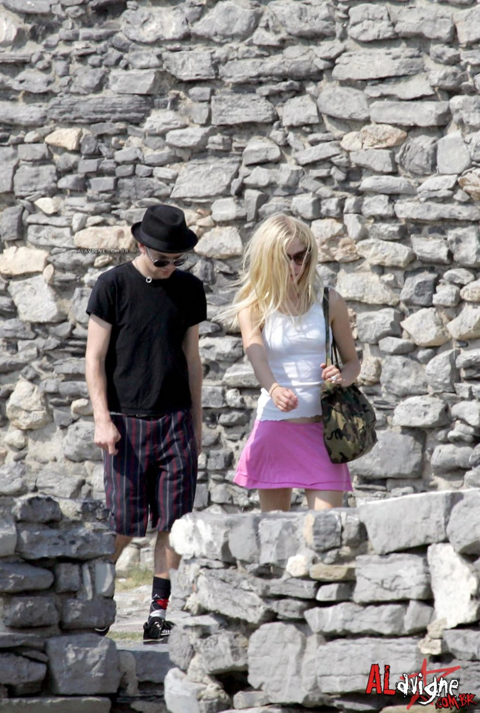 Avril Lavigne 2010 : avril-lavigne-honeymoon-photos-in-portofino-16
