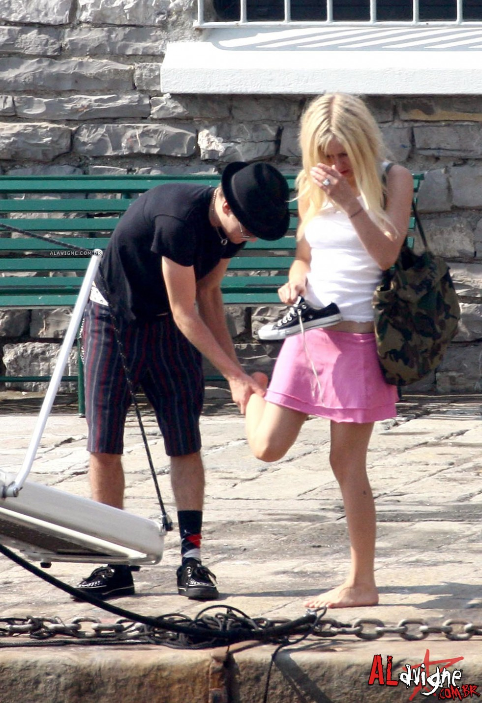 Avril Lavigne 2010 : avril-lavigne-honeymoon-photos-in-portofino-21