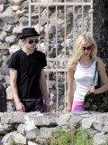avril-lavigne-honeymoon-photos-in-portofino-33