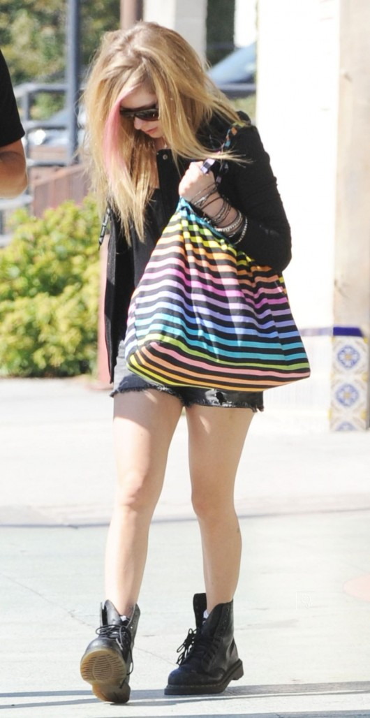 Avril Lavigne – Out in shorts in LA