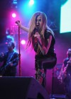 Avril Lavigne - Performing at Y100 Jingle Ball Sunrise-09