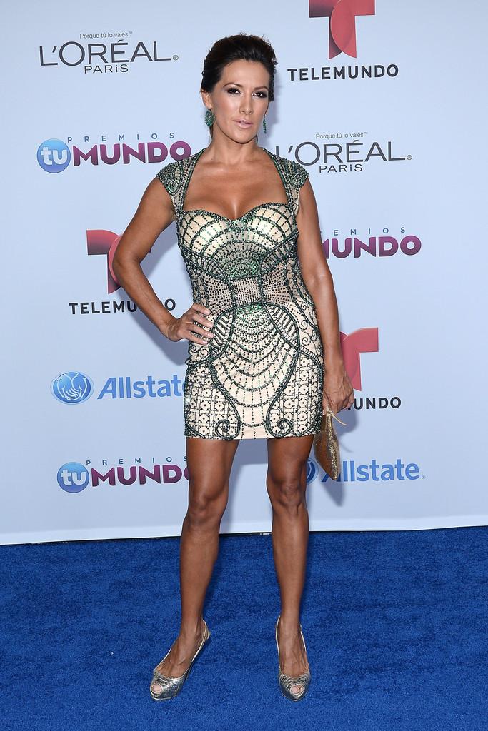 Azucena Cierco - 2014 Telemundo's Premios Tu Mundo Awards in Miami