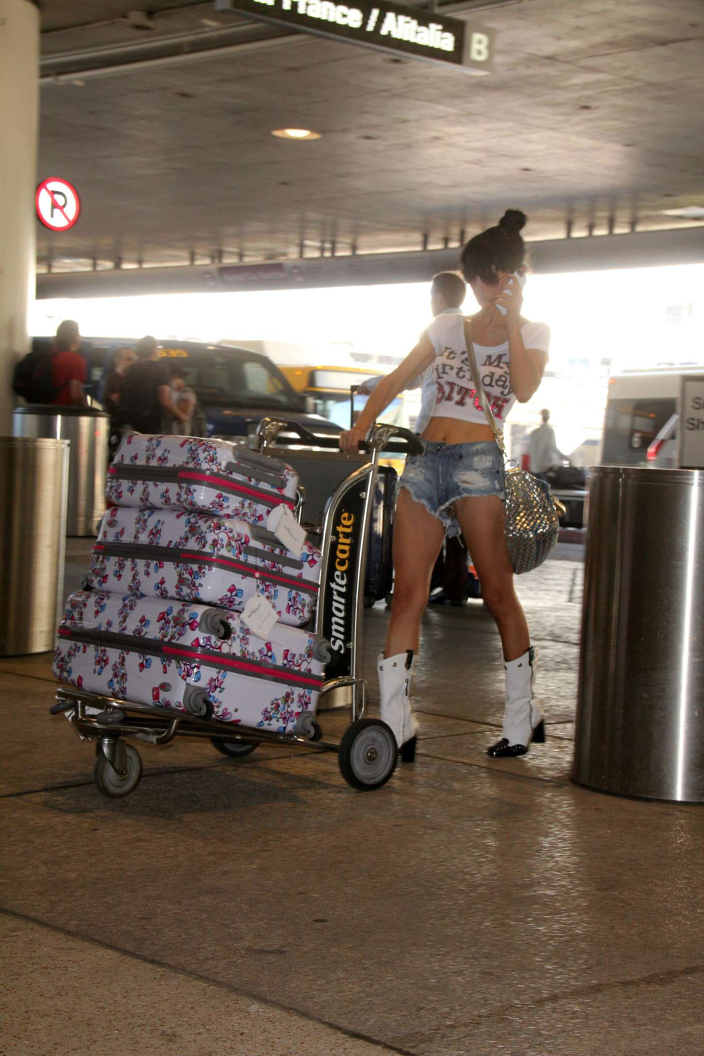 Bai Ling in Jeans Shorts at LAX -02