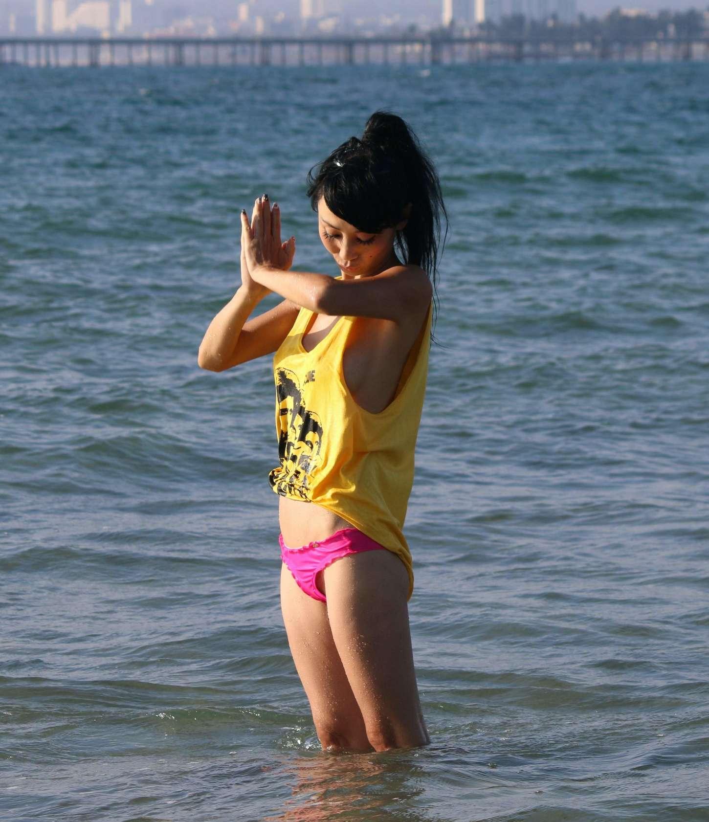 Lisa Ling Bikini 9
