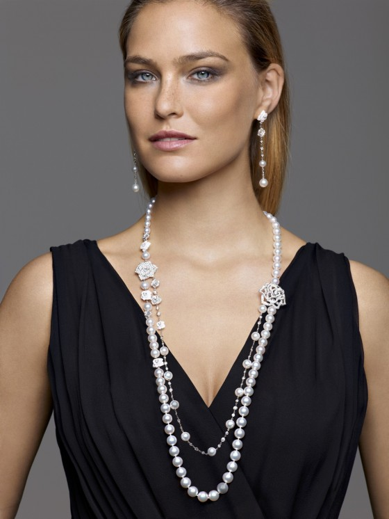 Bar Refaeli – 2013 Piagets Rose Collection -02