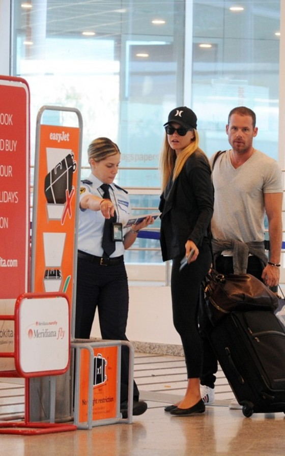 Bar Refaeli Tight Spandex Candids – Airport – Italy-05